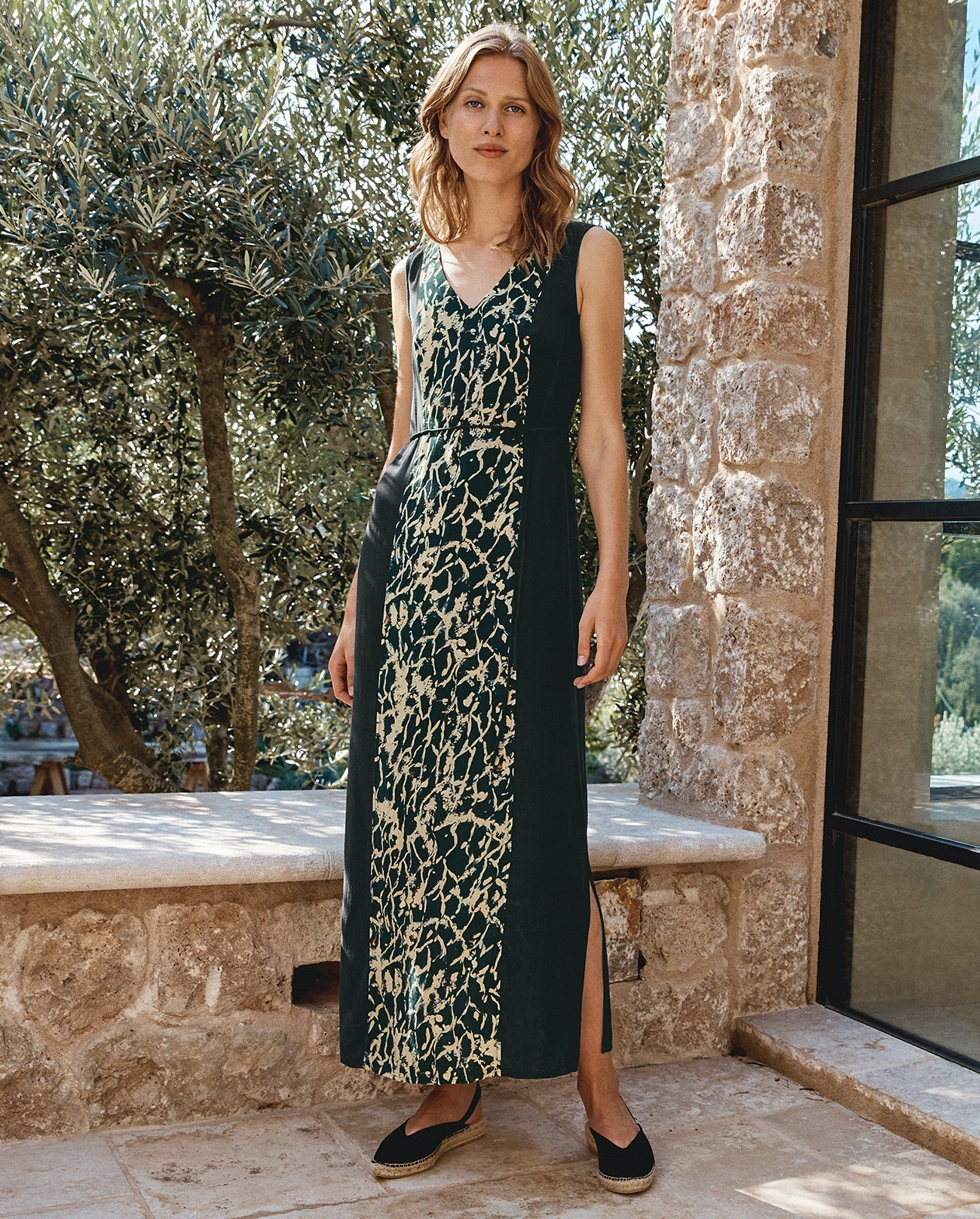 a069bc6a259d4c ... Image of Panelled maxi dress ...